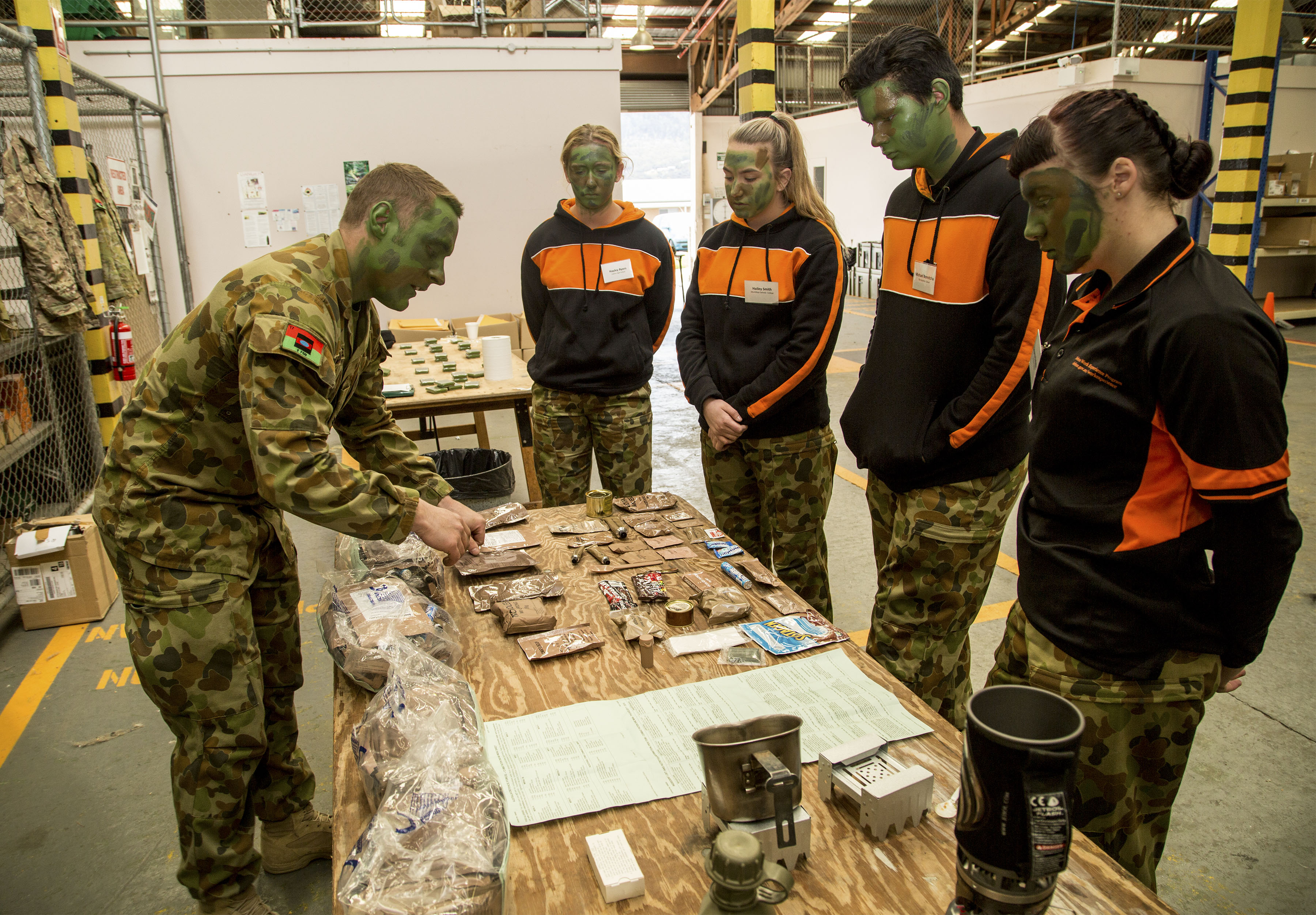 2FSB demonstrates Army roles to potential Defence recruits during a Defence Work Experience Program